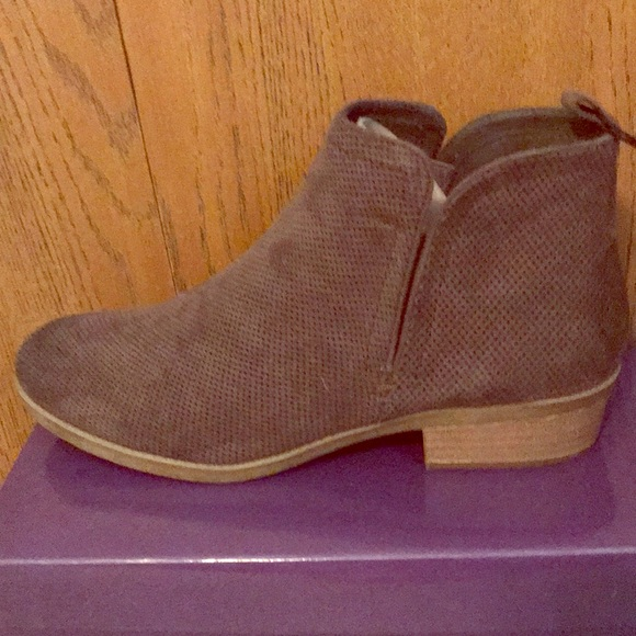 a37401030a09 TARGET DV brand ankle boots